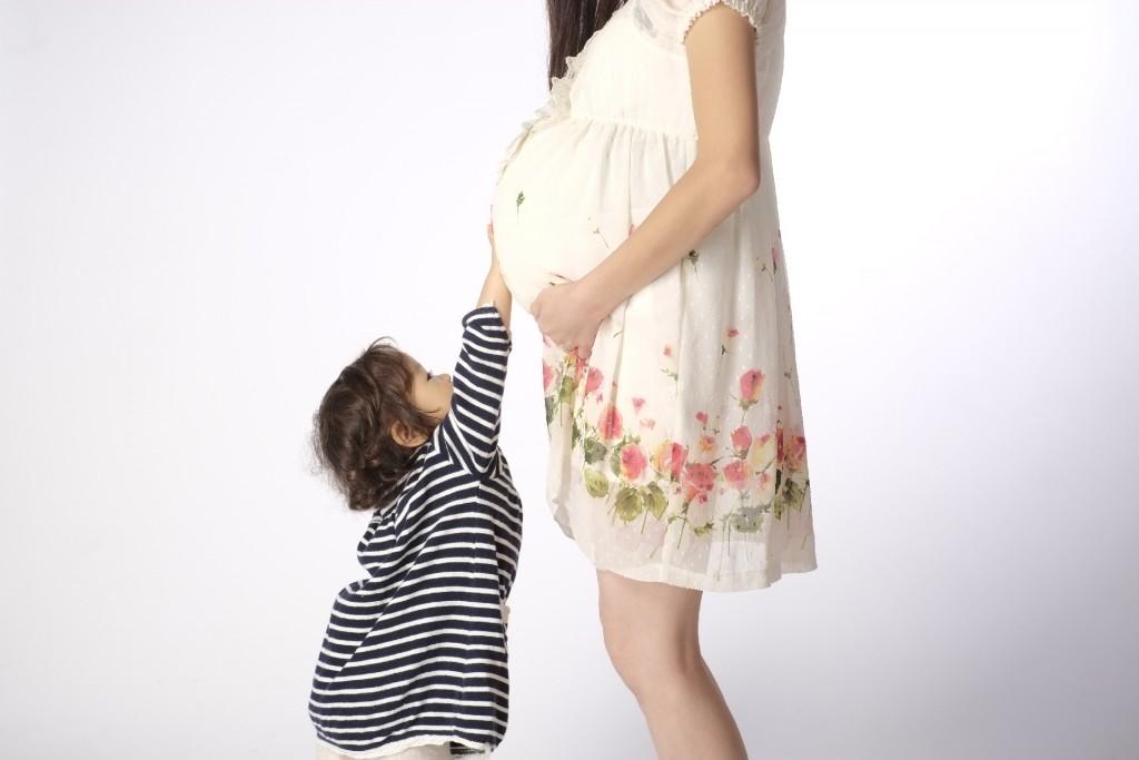 妊娠で出来たお腹の線を消したい!どんなクリームが効果的なの?